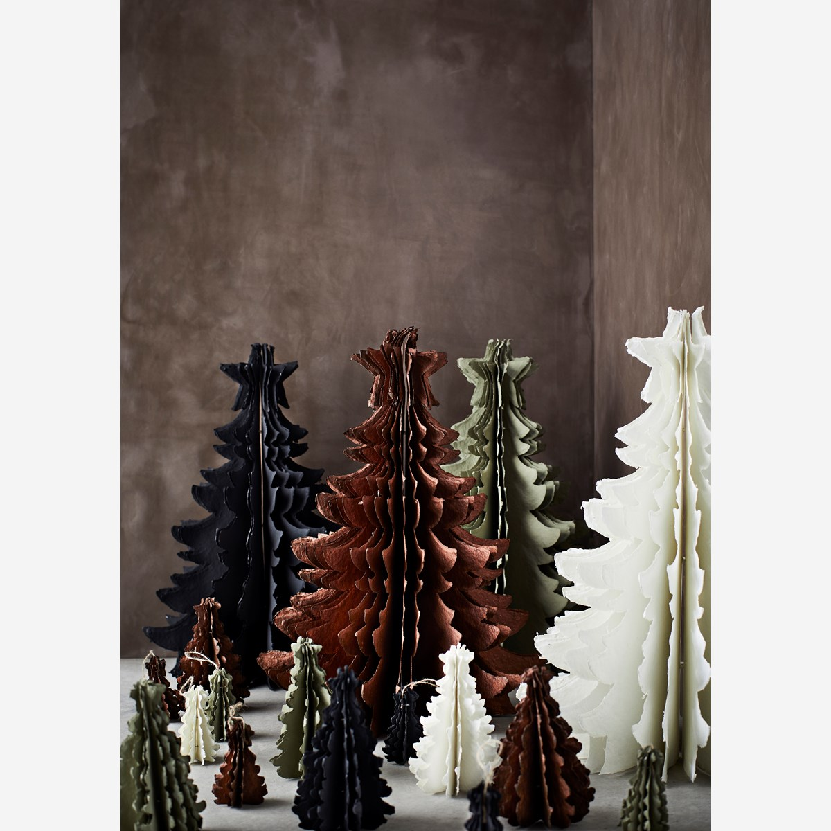 Hanging paper pulp christmas tree