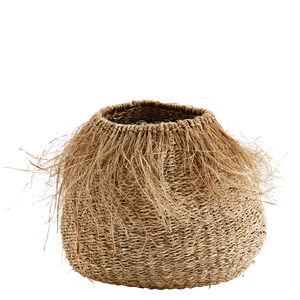 Seagrass basket w/ fringes