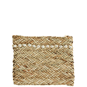 Straw clutch w/ sea shells